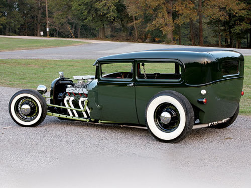 lavidacantina:  1928 Ford Sedan.