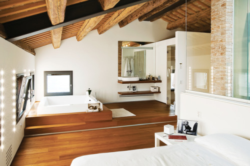 myidealhome:  bedroom suite with built-in spa (via Dwell)