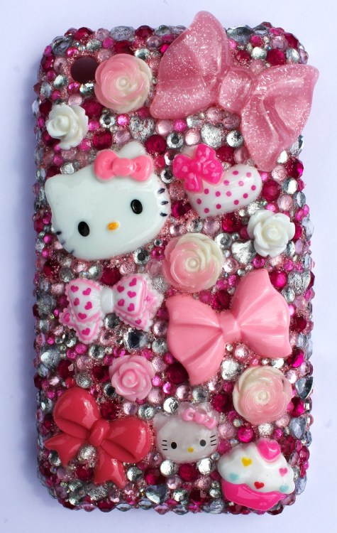 hello-kitty:  Hello Kitty iPhone 4 Case / mindlessoftheunique