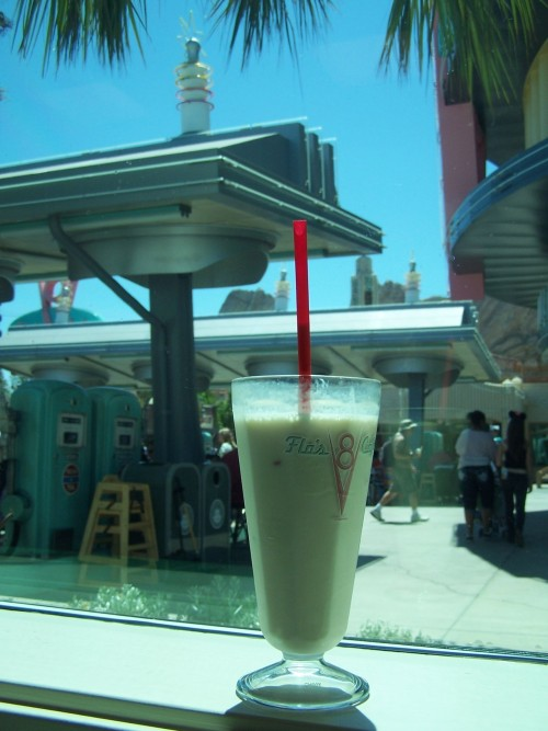 disneysemployeeofthemonth:  There's nothing like a shake from Flo's on a hot morning…