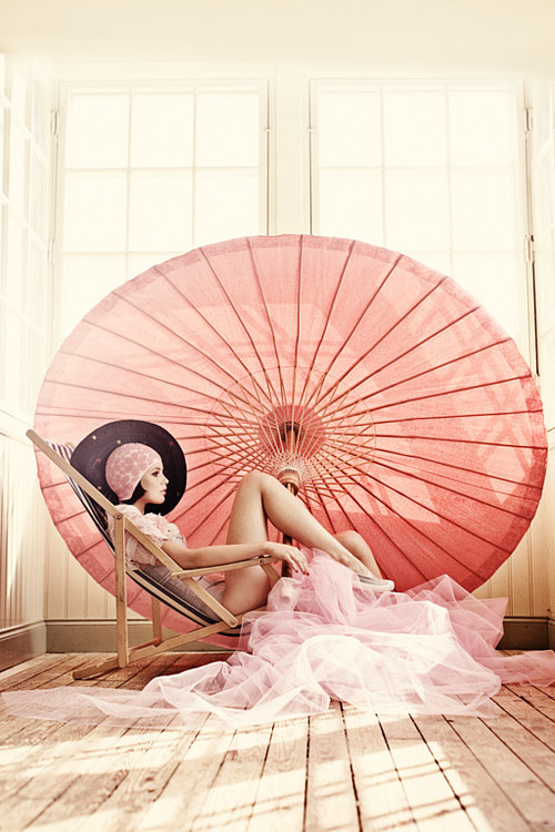merde-petit-maitre:  Fashion photography