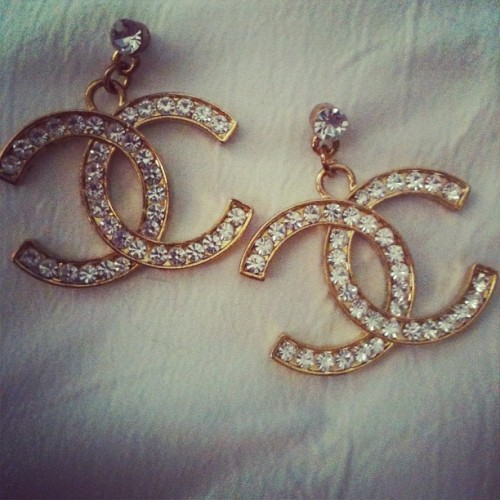 mutzzz:  Vintage earrings I found today when I was thrift shopping #chanel (Taken with Instagram)