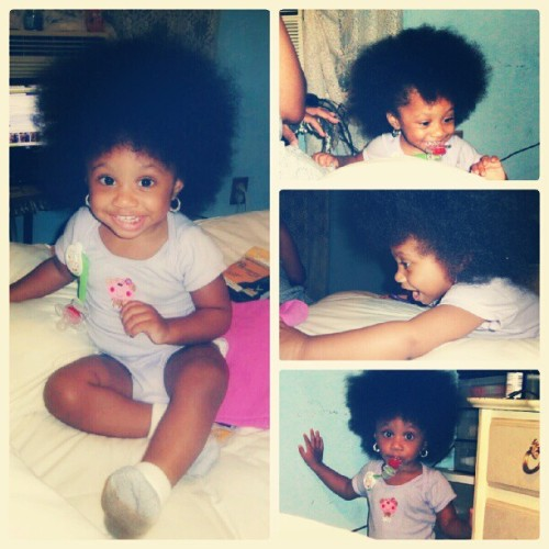 asimplemessage:  fuckyeahnaturalhair:  My daughter Athena and her big afro!   Adorbs. All of em