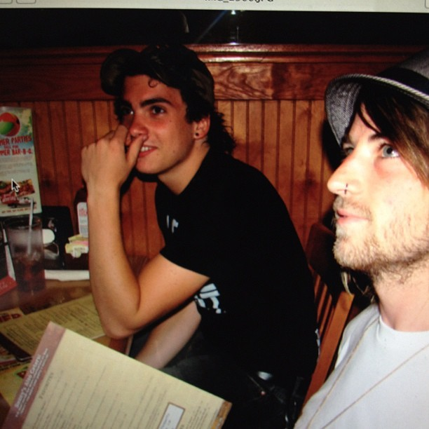 paramore:  #flashbackfriday Taylor and Jeremy at Sonny's BBQ (Warped 2007)