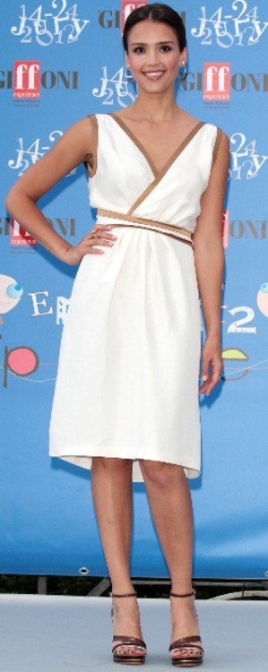 #IntlCelebSeries Jessica Alba White #Dress BraLess #Boobs #Legs #Feet #Toes