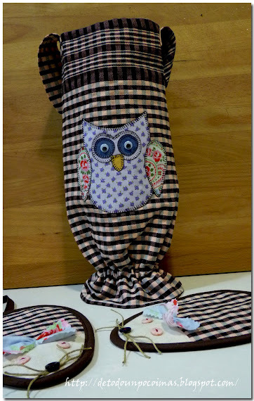 kitchen accessories.  owl applique