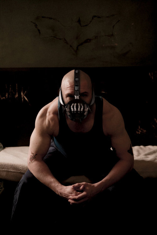 daxxxx:  j0rdieshore:rago:how chill is bane though  Bane (Tom Hardy) is hot