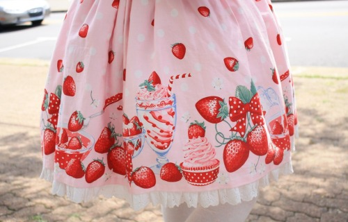 angelicapretty:  Milky Berry print~