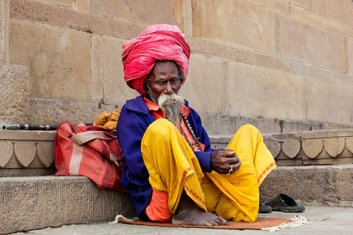souls-of-my-shoes:  (via Colorful Sadhu | Flickr - Photo Sharing!)
