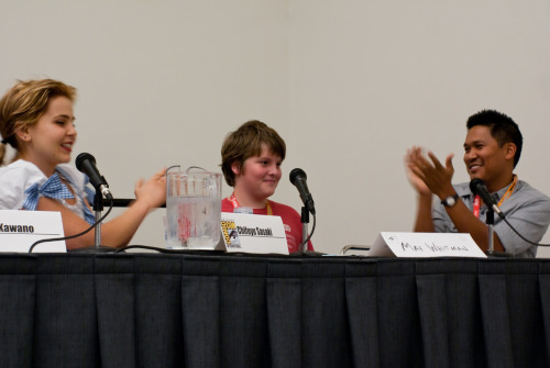 another shot from the Avatar fan panel at SDCC ~ THIS is Spencer. He was our brave volunteer comic reader. He read wonderfully, and even cracked up Mae and Dante. Thank you young sir! Applause! Applause! Appa-lause (hehehe)