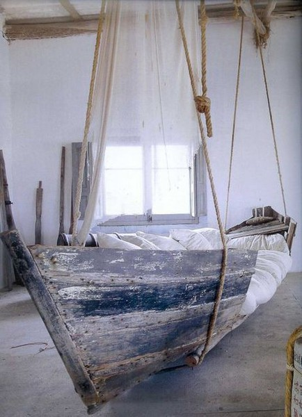 morgondagg:  Hanging Boat Bed