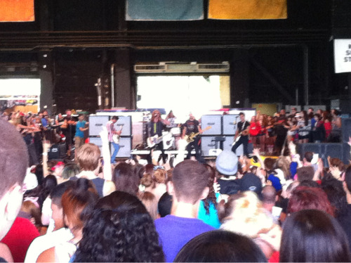 oh hi, we the kings.