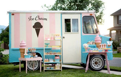 daisies-in-paradise:  I want this icecream truck!! <3