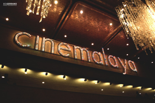 CINEMALAYA OPENING NIGHT. I went to Cultural Center of the Philippines yesterday to attend the opening night of the 8th Cinemalaya Philippine Independent Film Festival. For the record, there were a lot of people. There were actors and directors present, too.  Babae sa Breakwater, a film by the late Mario O'Hara, opens the eight installment of the festival. The festival, which also serves as a competition for both new and established directors and film makers, has the categories of New Breed full length feature and the Short feature for new directors while the Directors' Showcase category is for the established directors of the local film industry.   Prominent director and actress, Laurice Guillen, was present at the Festival's opening night.    The festival will run from July 20 to 29. For more information about screening dates and schedules, visit Cinemalaya's website here.