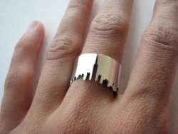 fashi0nablyhip:  city skyline ring