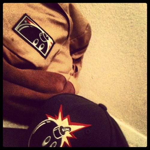 #thehundreds #backpack #snapback #swag #vans #brown #black #bomb #fire #tumblr #otws #edited #diamond #tmills #mario #shit #sand #carpet  (Taken with Instagram)