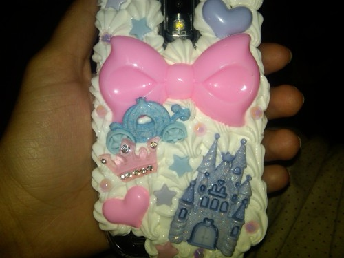 prettypinktoilet:  Another one of my case I love it!   Yay!!! Enjoy Doll!! <3