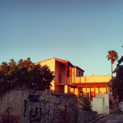 #plaka #athens #anafiwtika #greece #sun #sunset #summer #building  (Taken with Instagram)