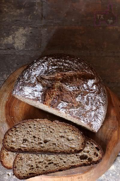 (via Finnish Rye Bread - not much rye, but lots of other goodies | The Fresh Loaf)