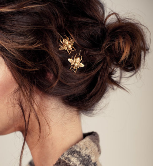 preciousdailyoutfits:  Gold Bumble Bee Bobby Pin Set