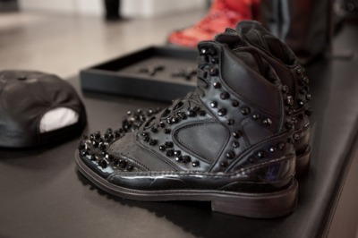 【GIVENCHY 2012 FALL/WINTER PREVIEW II】 HYPEBEAST 详情