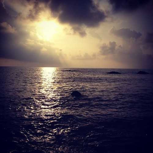 fanonchephoto:  Sunset Japan (Taken with Instagram)