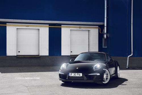 Just waken up Starring:Porsche 911 (by CiprianMihai)