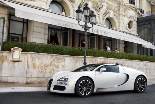 amazingcars:  Sang Blanc. by Alex Penfold on Flickr.
