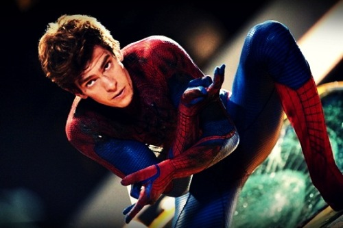 OH MY GOSHHHHH! ANDREW GARFIELD !!! I CANT BREATH !! HELP ME I NEED AIR!! lol