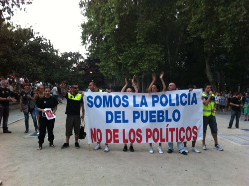 police, firefighters and civil guards have joined the protests in spain, declaring 'somos la policía del pueblo, no de los políticos'- we are the police of the people, not the politicians! perhaps they were shocked by the police brutality in the last days/weeks, perhaps they've realized that they are part of the 99% too - in any case, this is great!  best wishes out to the indignados in españa! oh, and for the german(speaker)s: if you haven't read it yet, check out the perspective of an german expat in spain on what the crisis means, a view that we don't really get in our 'everybody-but-us-is-lazy-and-deserves-austerity' media coverage.