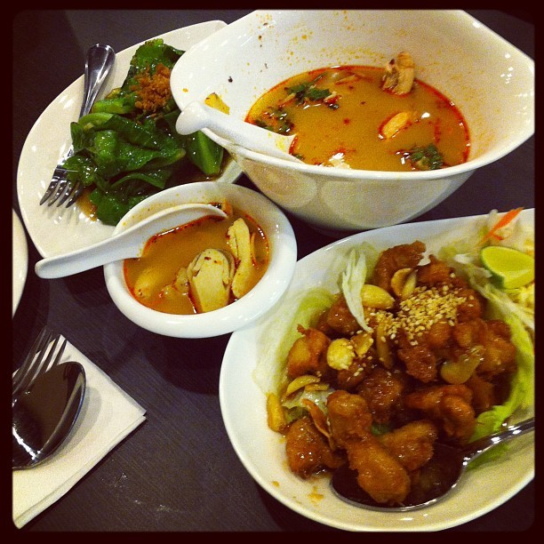 Thai food dinner time… (Taken with Instagram)