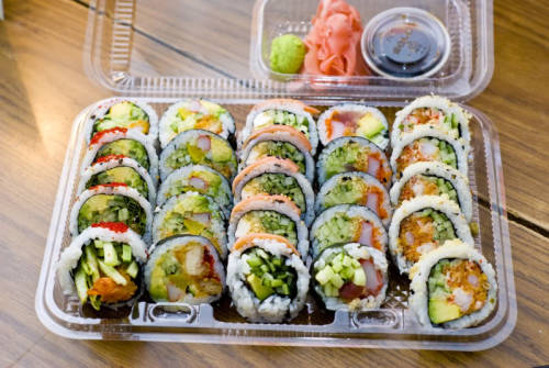 justtryingtogethealthy:  Love sushi so much