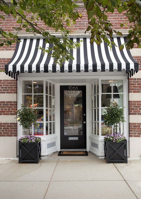 thepreppyyogini:  Striped awning? Cute and welcoming!