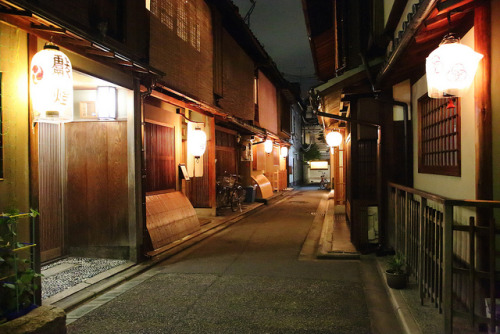 Kyoto at Night by Teruhide Tomori (very busy) on Flickr.