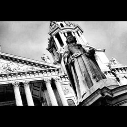 St. Paul Cathedral, London #London #statue #england #church #facade #uk #british #britain #gb #greatbritain   (Taken with Instagram at St Paul's Churchyard, London, EC4M 8AD)