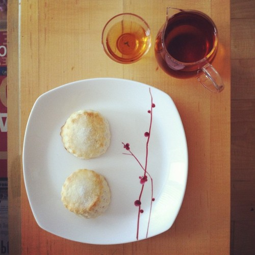 Freshly baked scones with Oriental Beauty Oolong #tea  (Taken with Instagram)