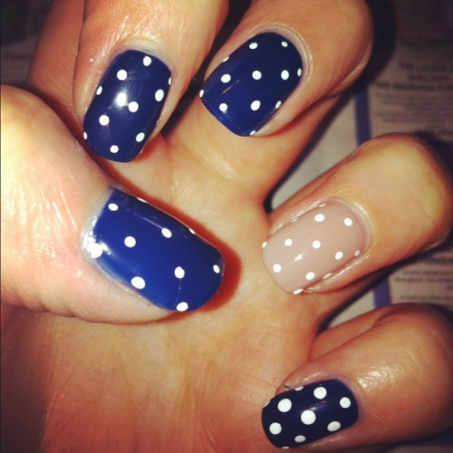 "Vintage Polka Had nails done again, so we're back to shorties :) Wanted to do something simple and pretty! Colours: Maybelline Forever Strong Pro 630 ""Dark Denim"" and 130 ""Rose Poudre"""