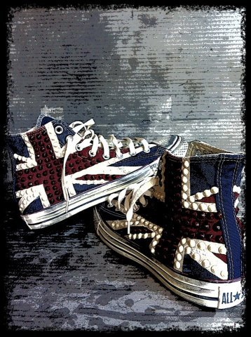 **NEWS**,available from next week at www.muffinonline.it the #Converse #UnionJack with studs.