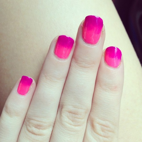 Hot pink and fuchsia #gradient #nails #nailart  (Taken with Instagram)