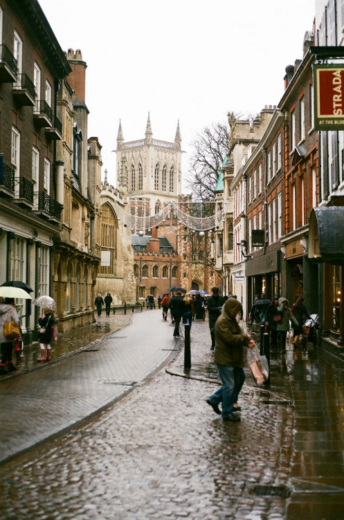refluent:  A Rainy Cambridge (by marcus hessenberg)