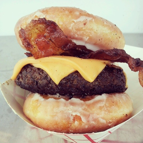 submityoursexiestfoods:  Bacon Cheeseburger between two Krispy Kreme donuts.