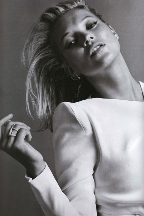 trihedra:  kate moss | vogue paris october 2009