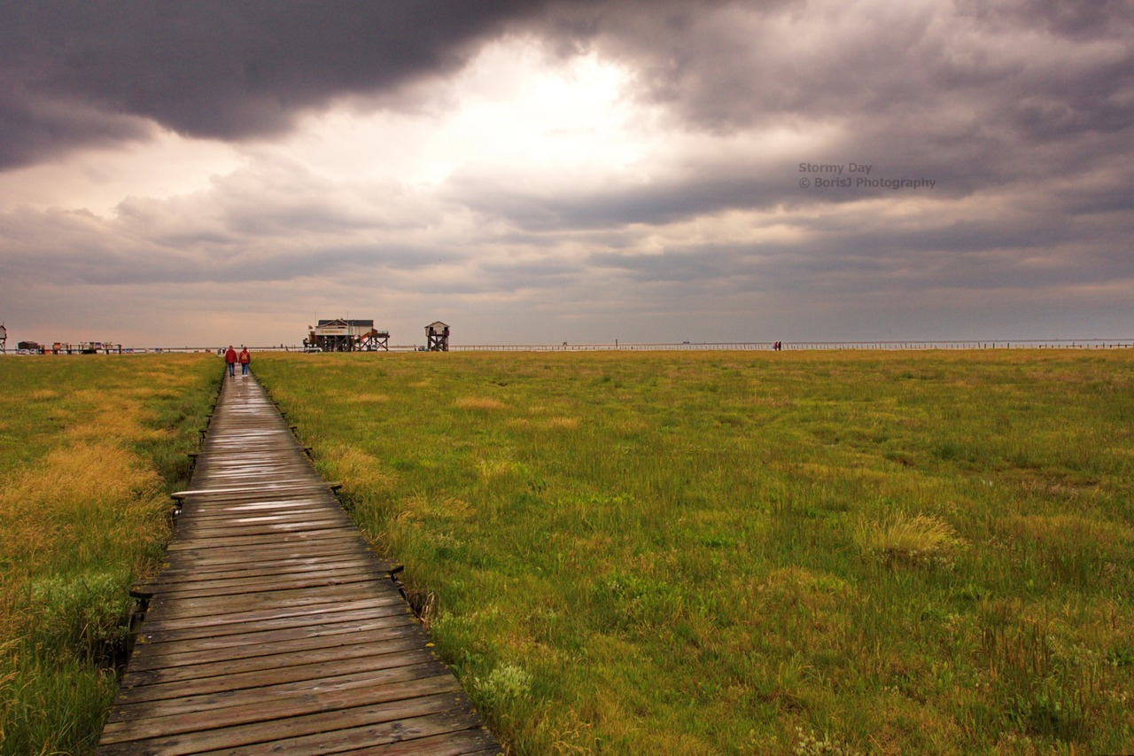 Stromy Day A stormy but nice Day in St. Peter-Ording. Canon EOS 40D1/400sISO 400f/8 St. Peter-Ording,Germany Flickr - Twitter - Facebook - Google+ - Posterous - 500px Copyright © BorisJ Photography - Boris Jusseit - all rights reserved - please do not use this image on any media without my permission.