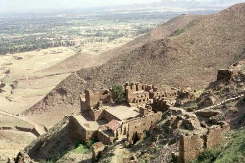 pakistank2:  Thrones of Origin Buddhist Ruins of Takht-i-Bahi and Neighbouring City Remains at Sahr-i-Bahlol