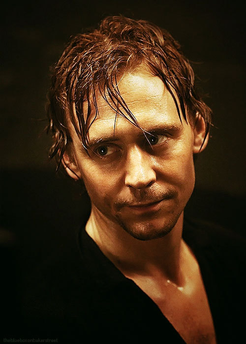 ♦ Tom Hiddleston - 42/100
