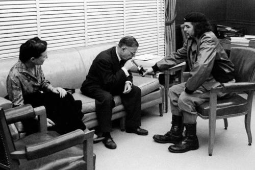 "historiographical:  Ernesto ""Che"" Guevara and French existentialist Jean Paul Satre meet in Havana"