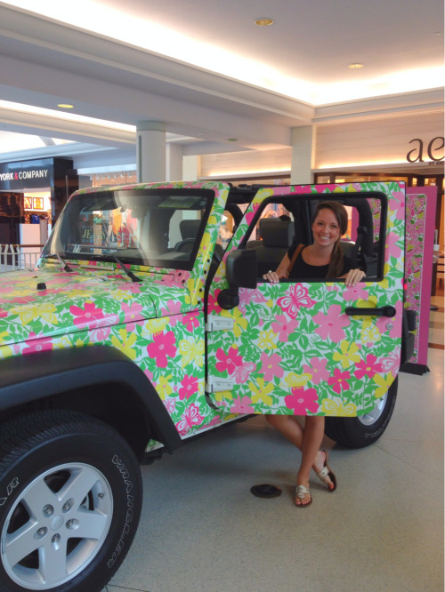 southernanchors:  Lilly jeep at the Towson mall :)