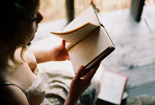 one of my most romantic fantasies is reading a book together.