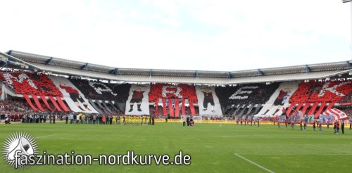 Friendly match today between FC Nurnberg and Borussia Dortmund. Nurnberg fans made nice choreo for ex-player Marek Mintal!