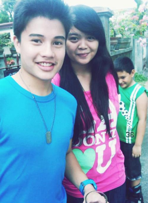 Tom with Ate Tippy. Credits to Ate Kippy. :)